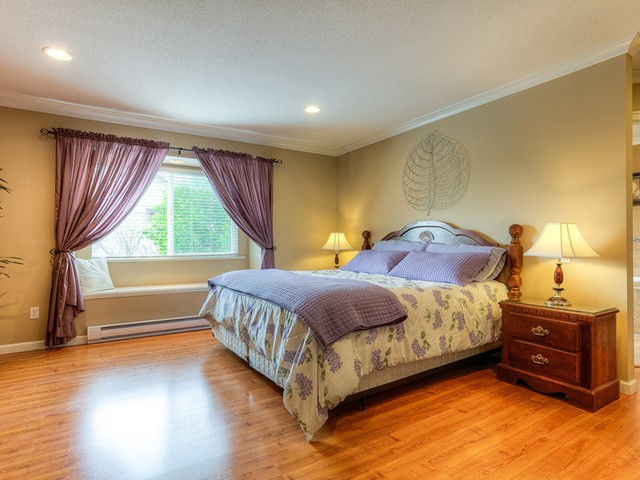 Photo 12: 11241 BLANEY Way in Pitt Meadows: South Meadows House for sale : MLS(r) # V1065023