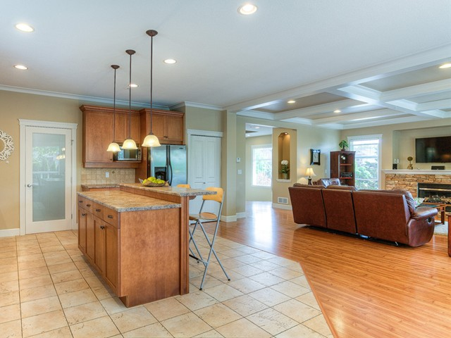 Photo 5: 11241 BLANEY Way in Pitt Meadows: South Meadows House for sale : MLS(r) # V1065023