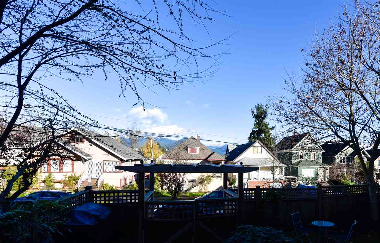 Photo 11: 1928 ADANAC Street in Vancouver: Hastings House 1/2 Duplex for sale (Vancouver East)  : MLS® # R2014604