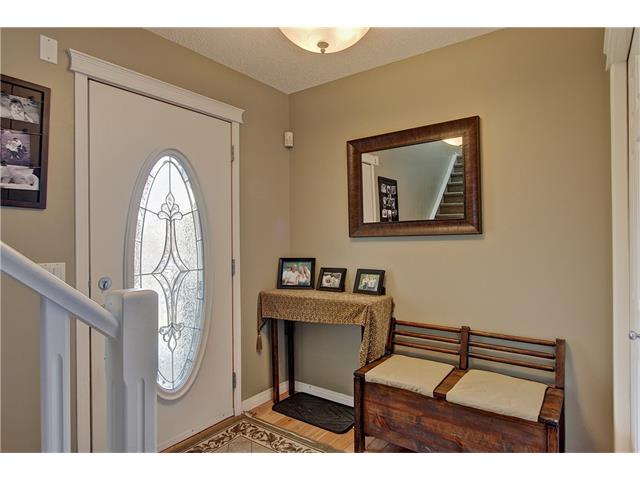 Photo 2: 637 COUGAR RIDGE Drive SW in Calgary: Cougar Ridge House for sale : MLS(r) # C4051719