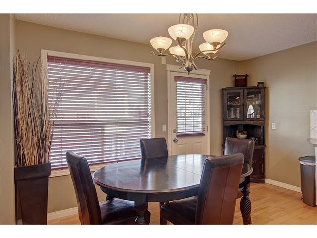 Photo 9: 637 COUGAR RIDGE Drive SW in Calgary: Cougar Ridge House for sale : MLS(r) # C4051719