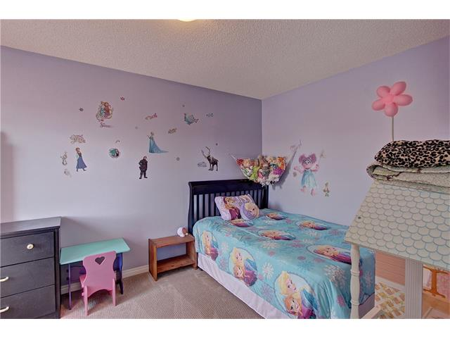 Photo 12: 637 COUGAR RIDGE Drive SW in Calgary: Cougar Ridge House for sale : MLS(r) # C4051719