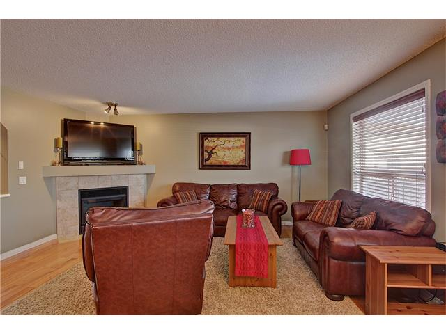 Photo 4: 637 COUGAR RIDGE Drive SW in Calgary: Cougar Ridge House for sale : MLS(r) # C4051719