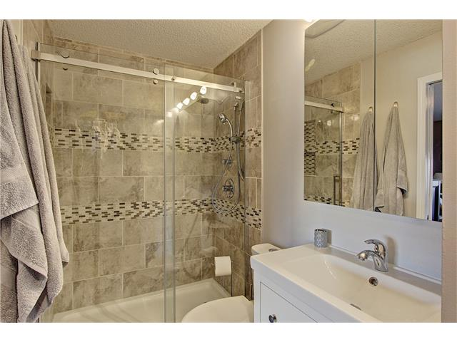 Photo 11: 637 COUGAR RIDGE Drive SW in Calgary: Cougar Ridge House for sale : MLS(r) # C4051719