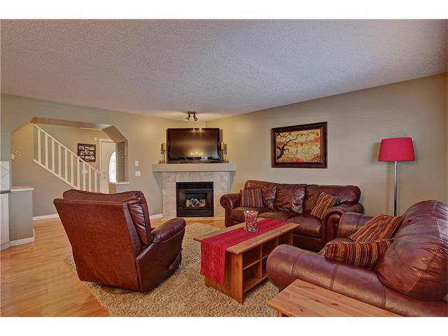 Photo 5: 637 COUGAR RIDGE Drive SW in Calgary: Cougar Ridge House for sale : MLS(r) # C4051719