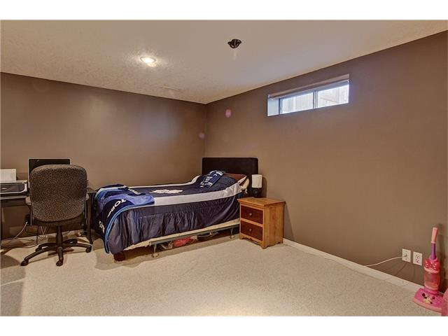 Photo 18: 637 COUGAR RIDGE Drive SW in Calgary: Cougar Ridge House for sale : MLS(r) # C4051719
