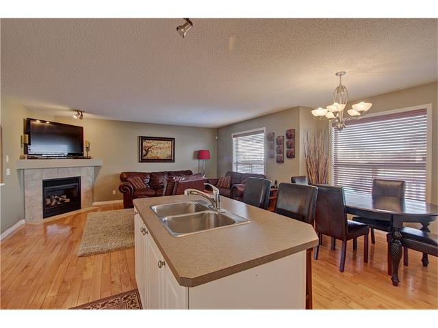 Photo 7: 637 COUGAR RIDGE Drive SW in Calgary: Cougar Ridge House for sale : MLS(r) # C4051719