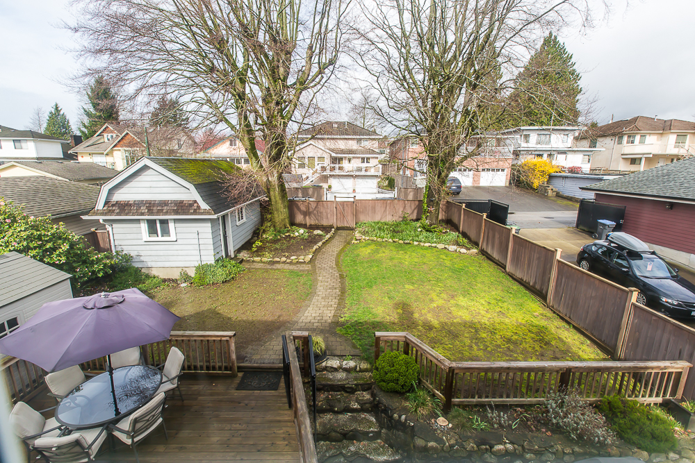 Photo 17: 1725 EIGHTH Avenue in New Westminster: West End NW House for sale : MLS(r) # R2045502