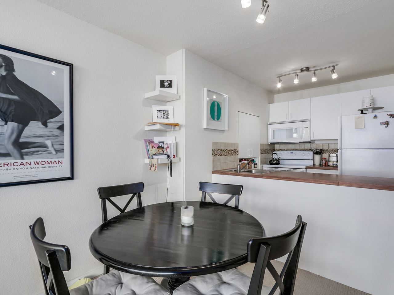 "Main Photo: 203 950 DRAKE Street in Vancouver: Downtown VW Condo for sale in ""Anchor Point 2"" (Vancouver West)  : MLS® # R2053290"