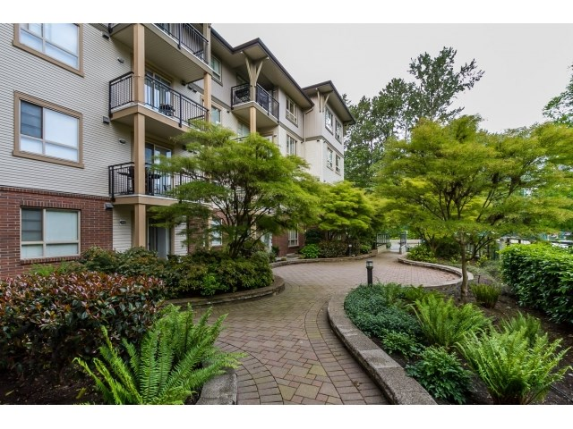 "Photo 2: 311 2346 MCALLISTER Avenue in Port Coquitlam: Central Pt Coquitlam Condo for sale in ""THE MAPLES AT CREEKSIDE"" : MLS(r) # R2065031"