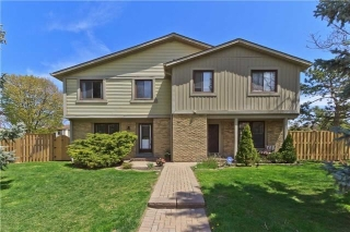 Main Photo: 100 6650 Falconer Drive in Mississauga: Streetsville Condo for sale : MLS®# W3494010