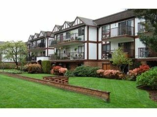 Main Photo: 209 131 W 4TH Street in North Vancouver: Lower Lonsdale Condo for sale : MLS® # R2084523