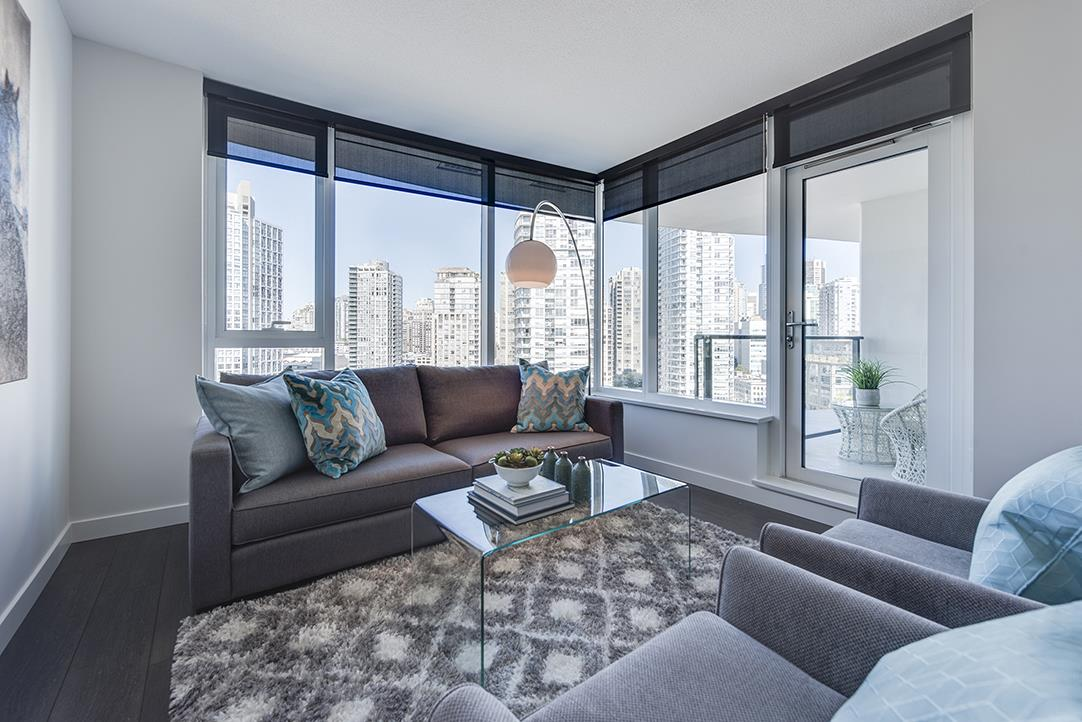 "Main Photo: 1611 68 SMITHE Street in Vancouver: Yaletown Condo for sale in ""ONE PACIFIC"" (Vancouver West)  : MLS(r) # R2101622"