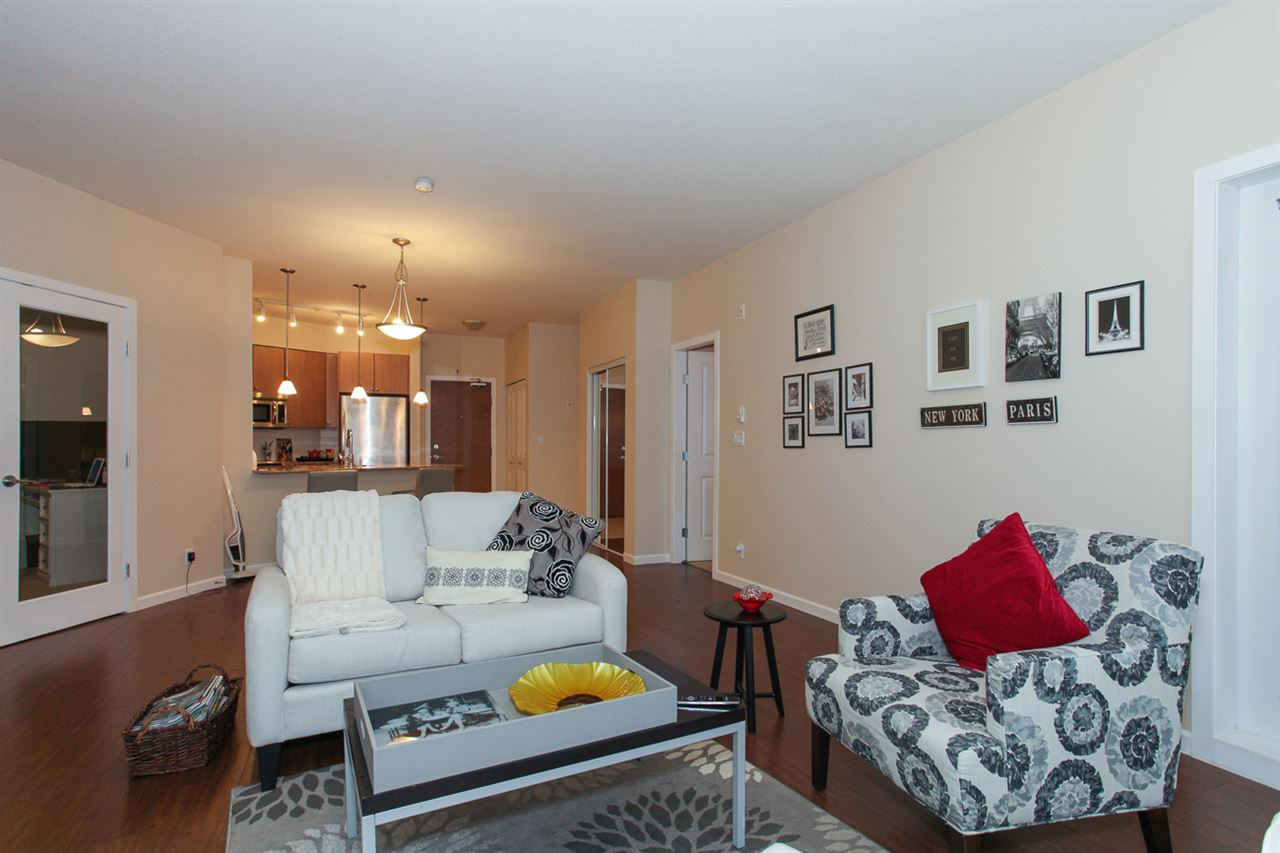 Photo 4: 204 275 ROSS Drive in New Westminster: Fraserview NW Condo for sale : MLS® # R2109644
