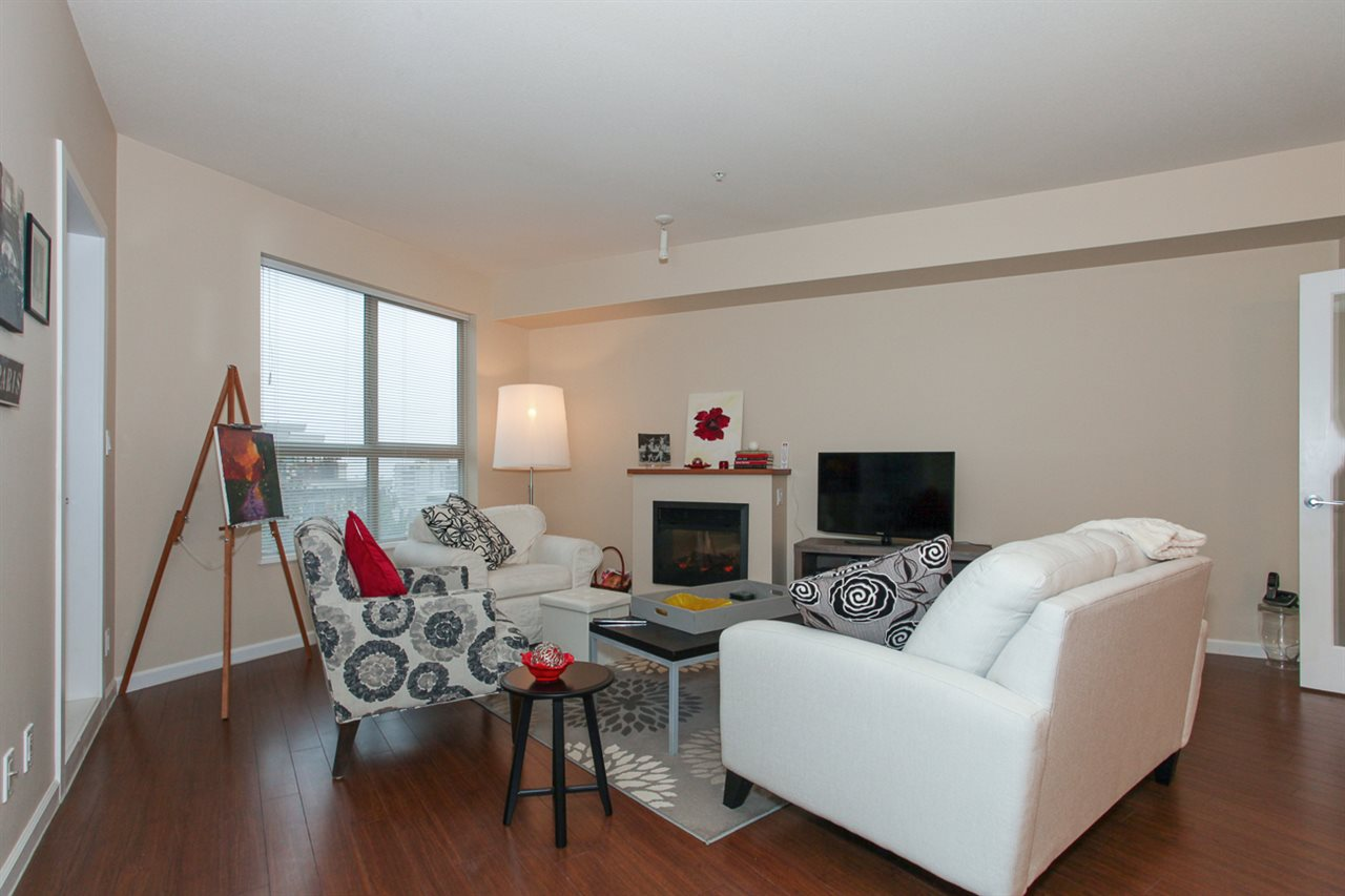 Photo 5: 204 275 ROSS Drive in New Westminster: Fraserview NW Condo for sale : MLS® # R2109644