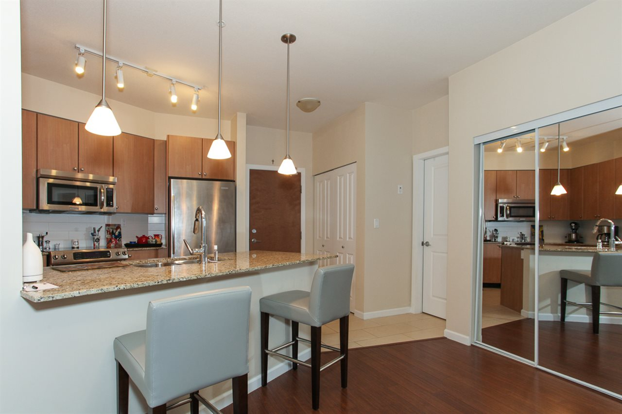 Photo 11: 204 275 ROSS Drive in New Westminster: Fraserview NW Condo for sale : MLS(r) # R2109644