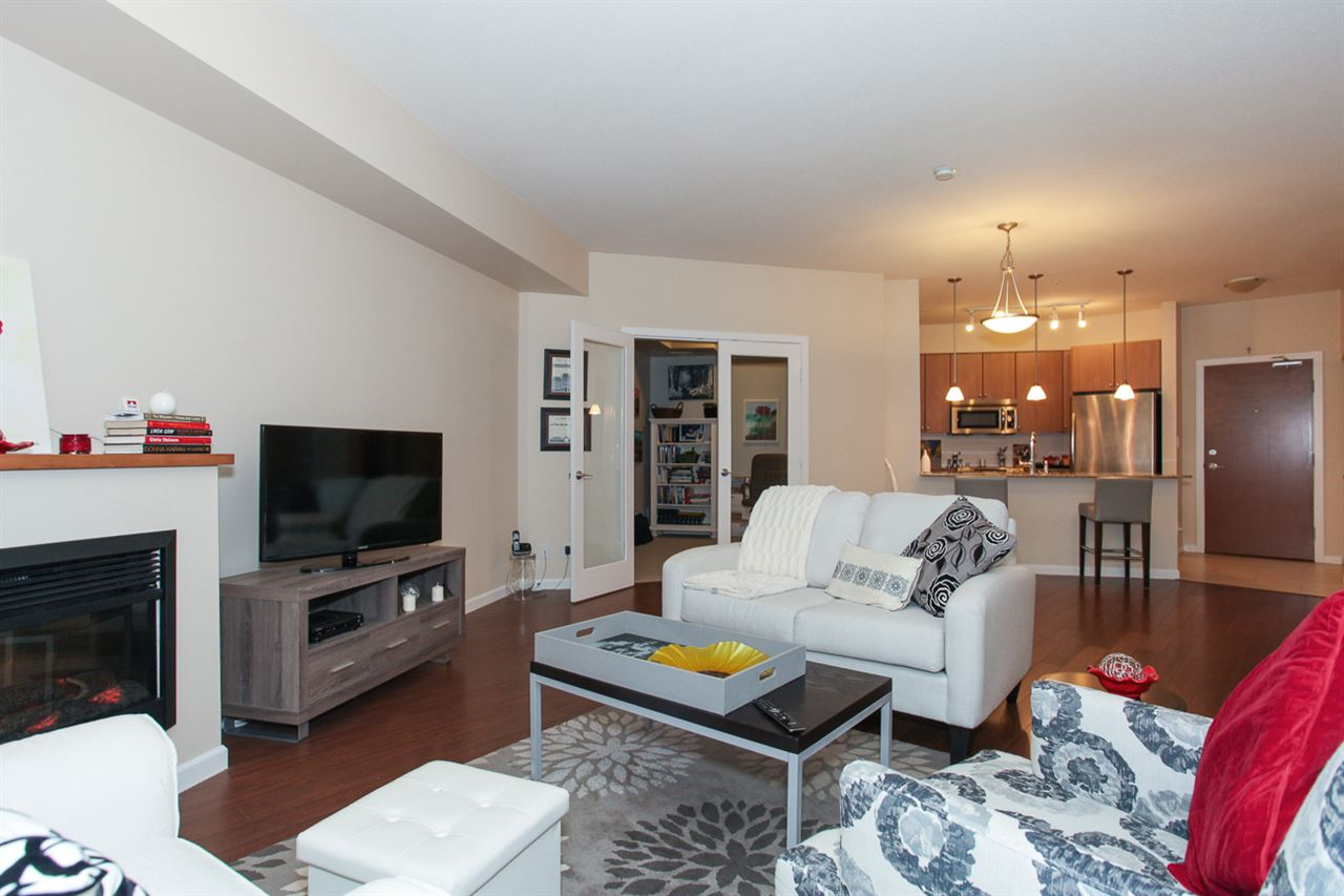 Photo 6: 204 275 ROSS Drive in New Westminster: Fraserview NW Condo for sale : MLS® # R2109644