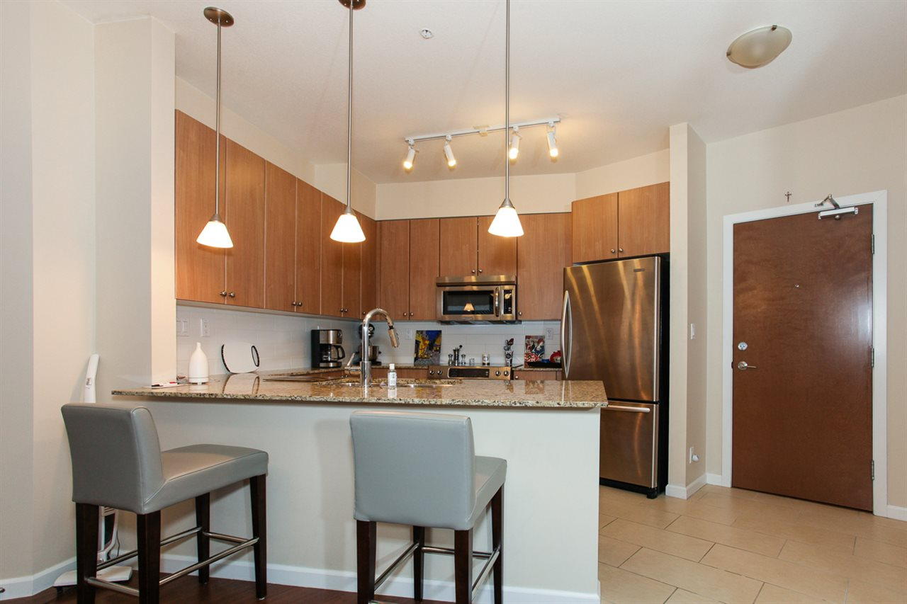 Photo 8: 204 275 ROSS Drive in New Westminster: Fraserview NW Condo for sale : MLS® # R2109644