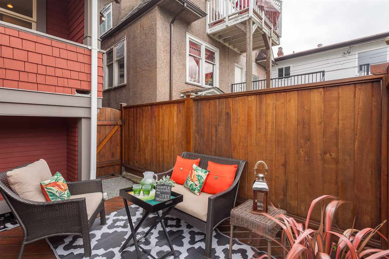 "Photo 19: 2316 GRAVELEY Street in Vancouver: Grandview VE House for sale in ""COMMERCIAL DRIVE"" (Vancouver East)  : MLS(r) # R2151822"