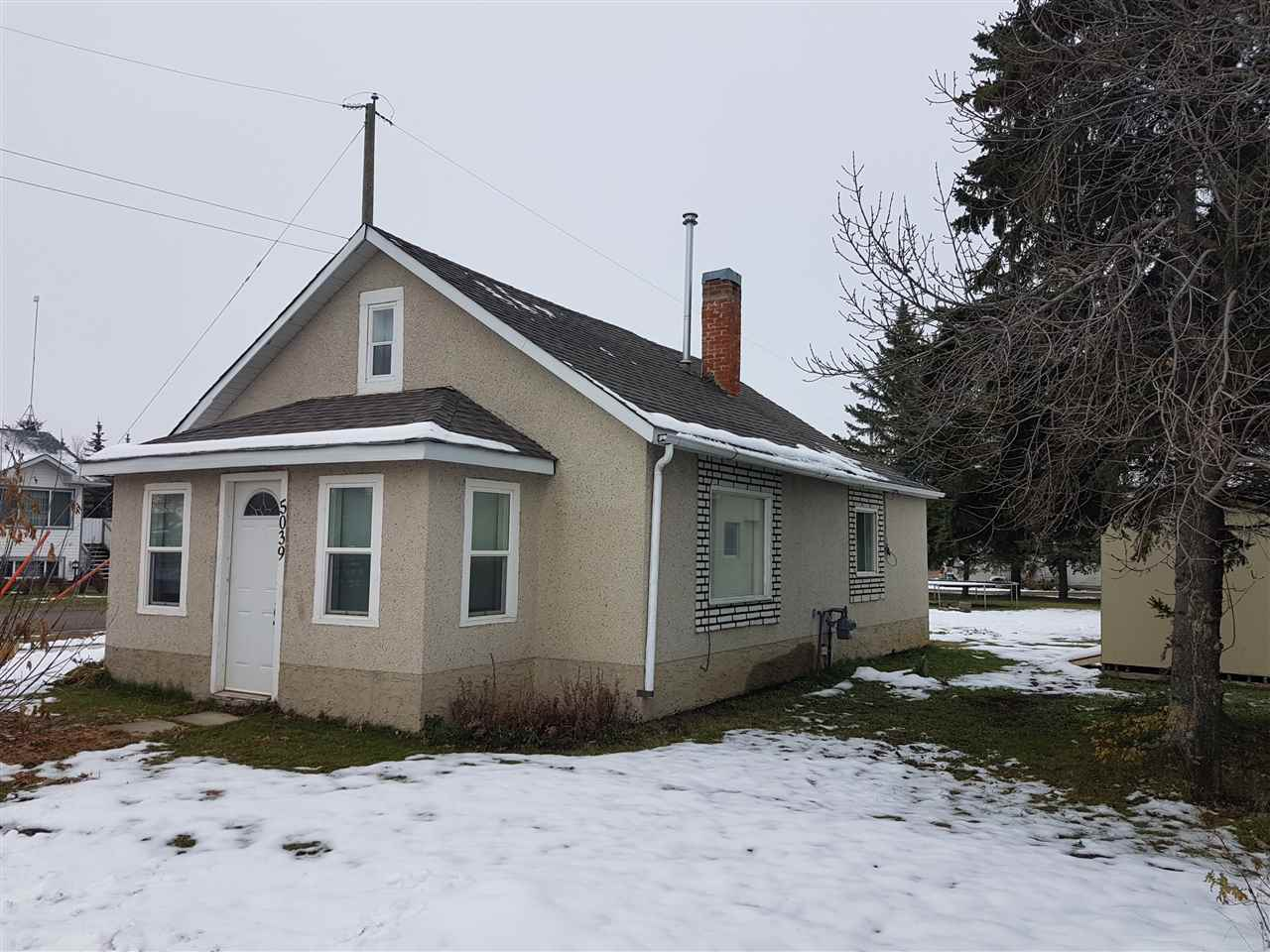 Main Photo: 5039 50 Street: Warburg House for sale : MLS(r) # E4060203