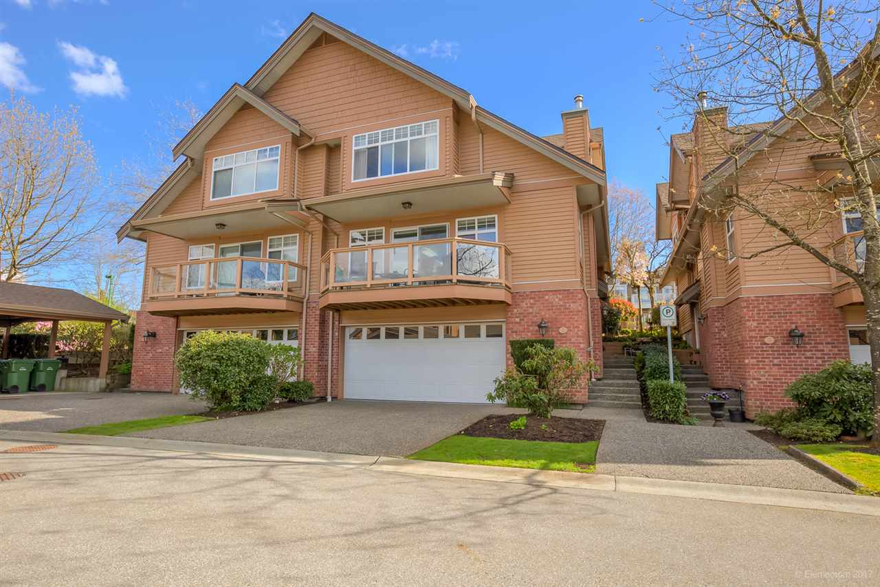 "Main Photo: 2 5201 OAKMOUNT Crescent in Burnaby: Oaklands Townhouse for sale in ""HARLANDS"" (Burnaby South)  : MLS(r) # R2161248"