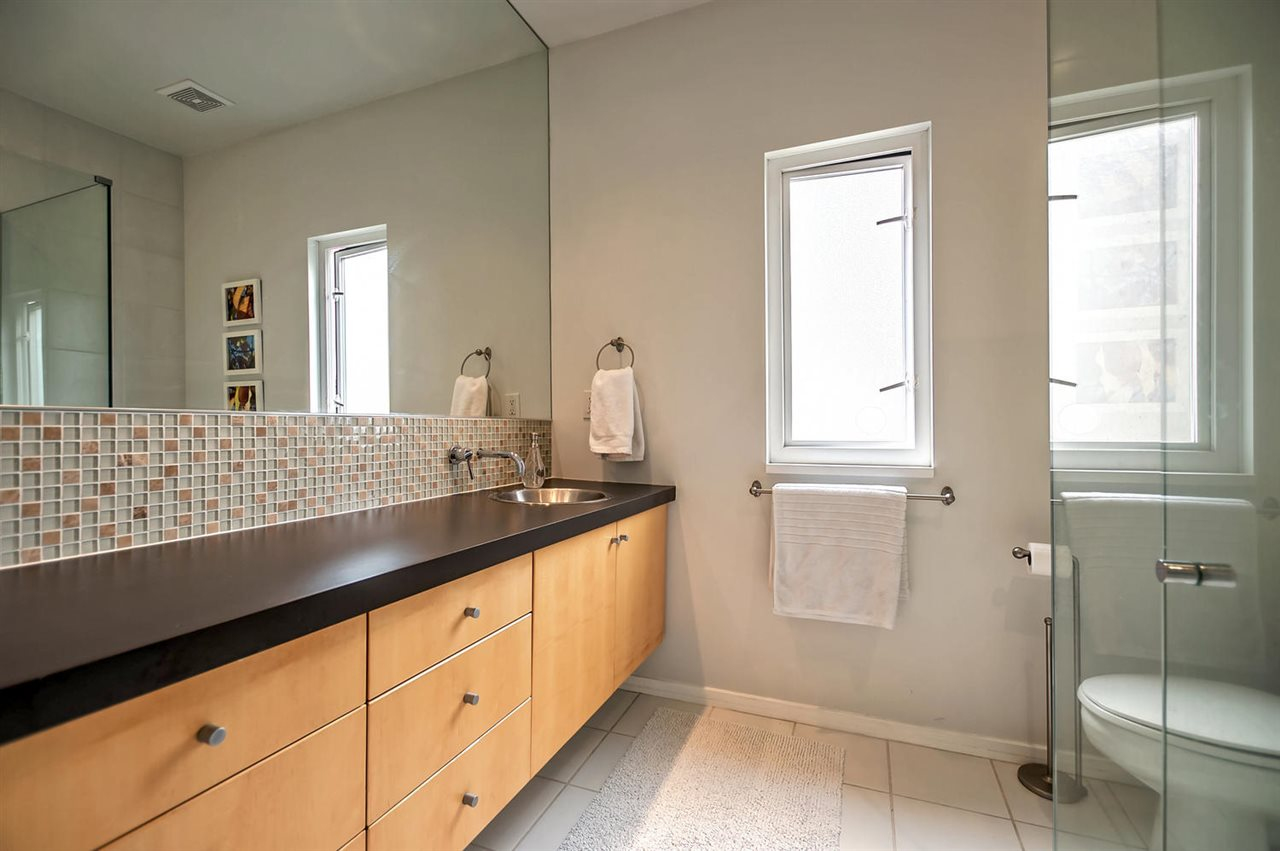 Photo 16: 549 E 7TH Avenue in Vancouver: Mount Pleasant VE House 1/2 Duplex for sale (Vancouver East)  : MLS(r) # R2163854