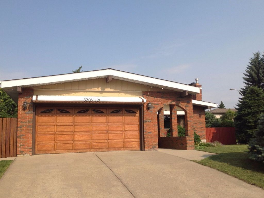 Main Photo: 3205 112A Street in Edmonton: Zone 16 House for sale : MLS® # E4076718