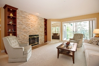 "Main Photo: 403 3690 BANFF Court in North Vancouver: Northlands Condo for sale in ""PARKGATE MANOR"" : MLS® # R2196400"