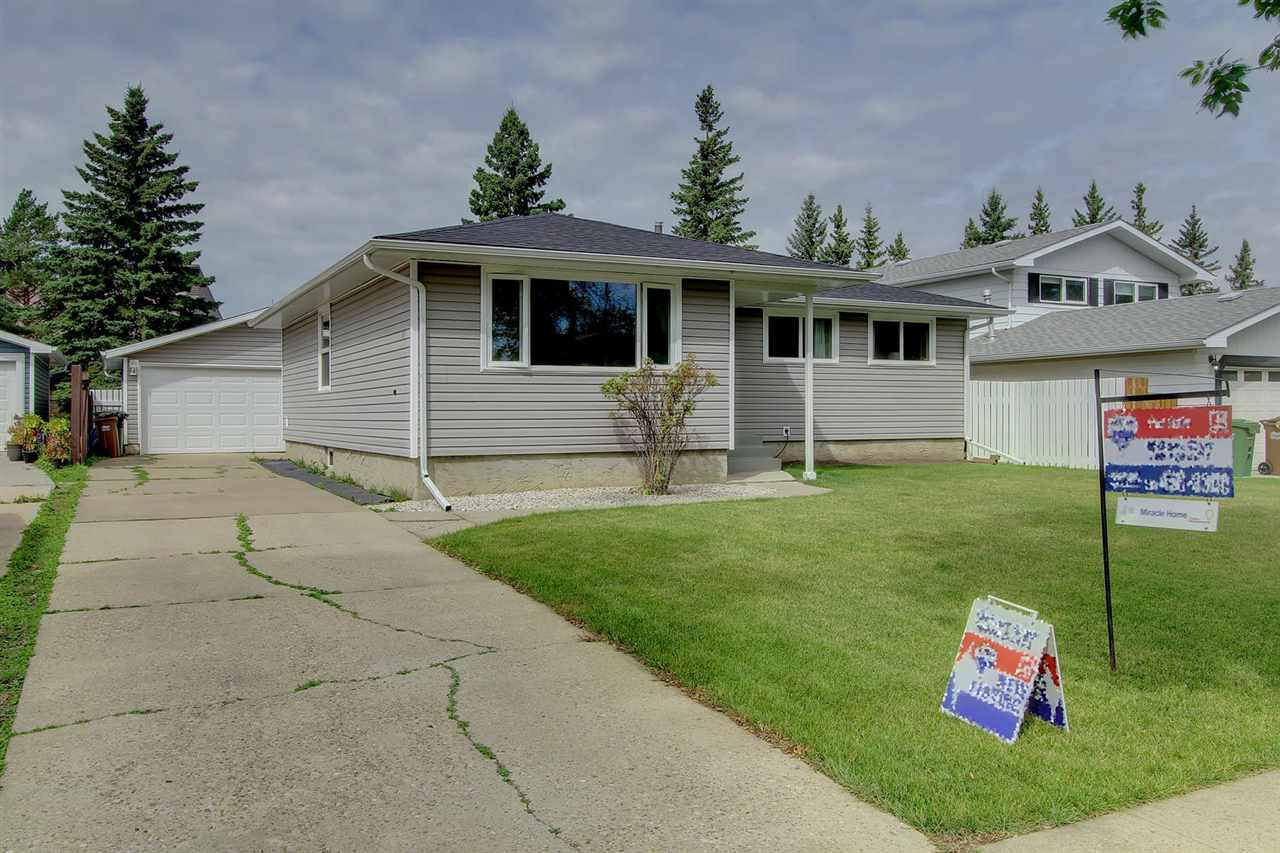 Main Photo: 41 ABBEY Crescent: St. Albert House for sale : MLS® # E4078414