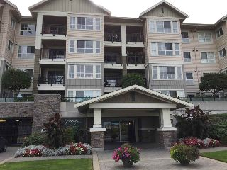 "Main Photo: 132 19673 MEADOW GARDENS WAY in Pitt Meadows: North Meadows PI Condo for sale in ""FAIRWAYS"" : MLS® # R2209002"