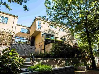 "Main Photo: 718 MILLYARD in Vancouver: False Creek Townhouse for sale in ""CREEK VILLAGE"" (Vancouver West)  : MLS® # R2213170"