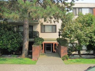 "Main Photo: 300 2033 W 7TH Avenue in Vancouver: Kitsilano Condo for sale in ""KATRINA COURT"" (Vancouver West)  : MLS® # R2227644"