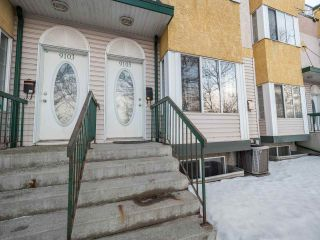 Main Photo: 9105 98 Avenue in Edmonton: Zone 18 Townhouse for sale : MLS® # E4092456