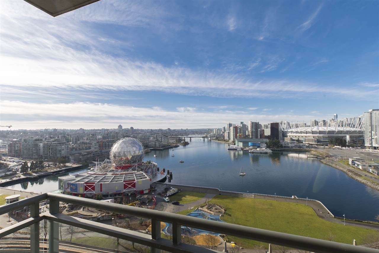"Main Photo: 1905 1128 QUEBEC Street in Vancouver: Mount Pleasant VE Condo for sale in ""THE NATIONAL"" (Vancouver East)  : MLS®# R2232561"