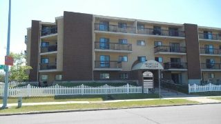 Main Photo: 302 10511 19 Avenue in Edmonton: Zone 16 Condo for sale : MLS®# E4120494