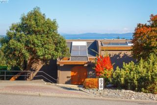 Main Photo: 978 Seapearl Place in VICTORIA: SE Cordova Bay Single Family Detached for sale (Saanich East)  : MLS®# 400848