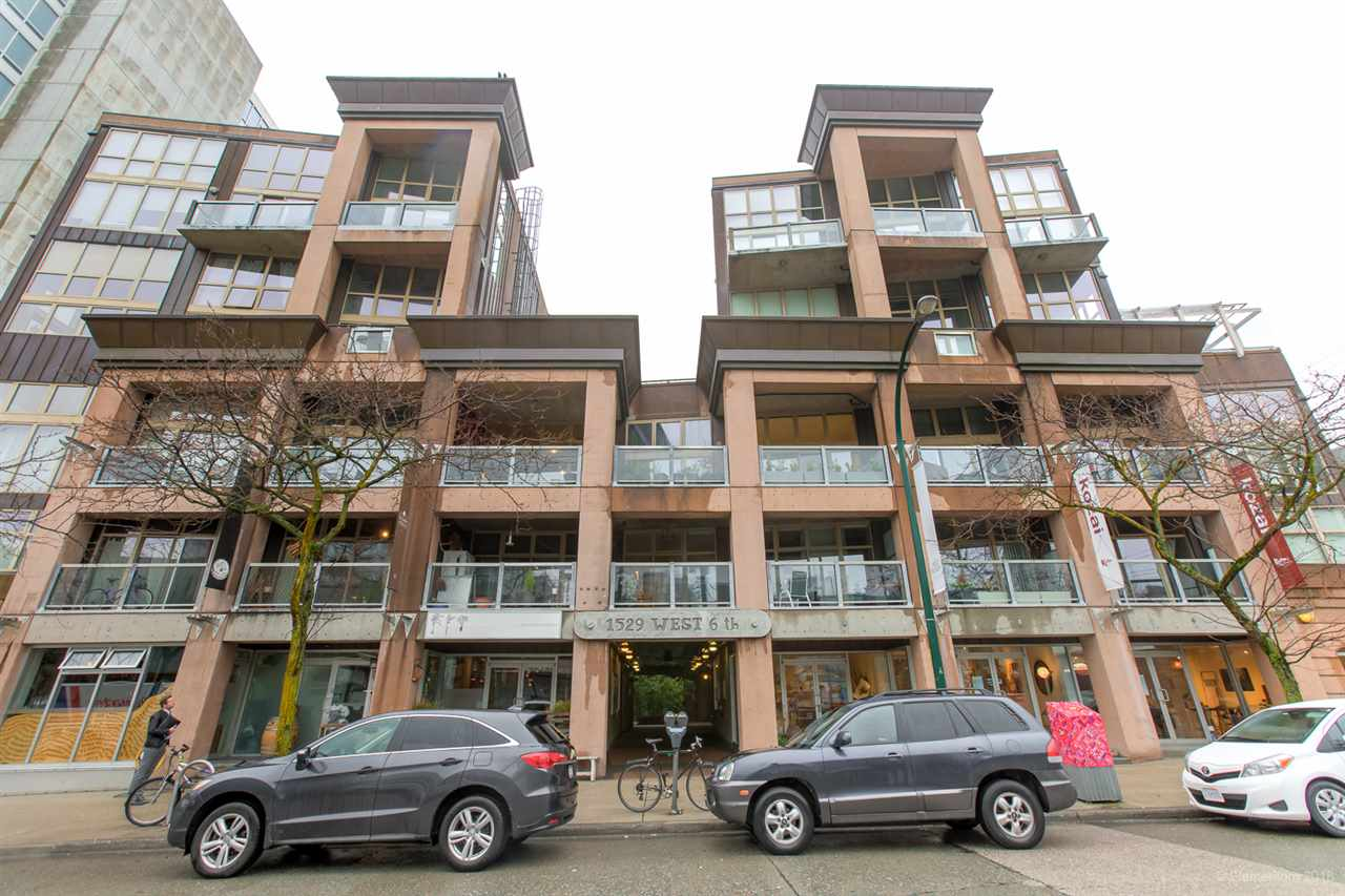 FEATURED LISTING: 413 1529 6TH Avenue West Vancouver