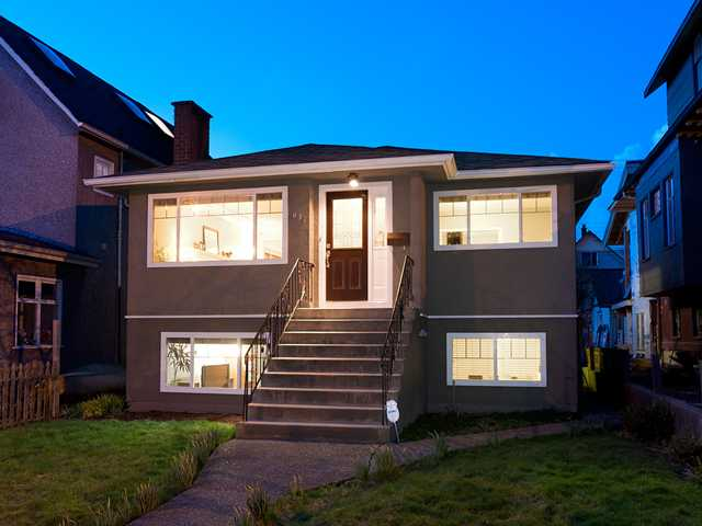 Main Photo: 637 E 11TH Avenue in Vancouver: Mount Pleasant VE House for sale (Vancouver East)  : MLS® # V938230