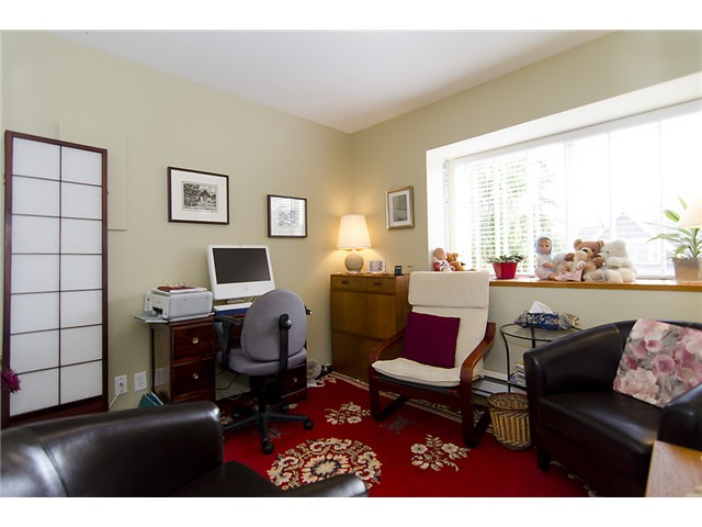 "Photo 14: 401 2295 PANDORA Street in Vancouver: Hastings Condo for sale in ""PANDORA GARDENS - SUNRISE"" (Vancouver East)  : MLS(r) # V1050699"