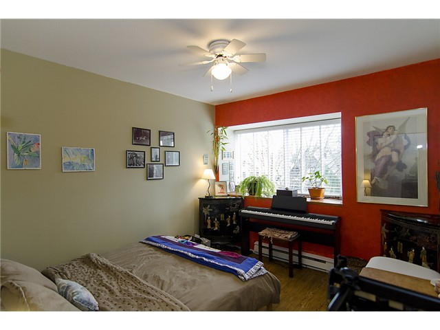 "Photo 12: 401 2295 PANDORA Street in Vancouver: Hastings Condo for sale in ""PANDORA GARDENS - SUNRISE"" (Vancouver East)  : MLS(r) # V1050699"
