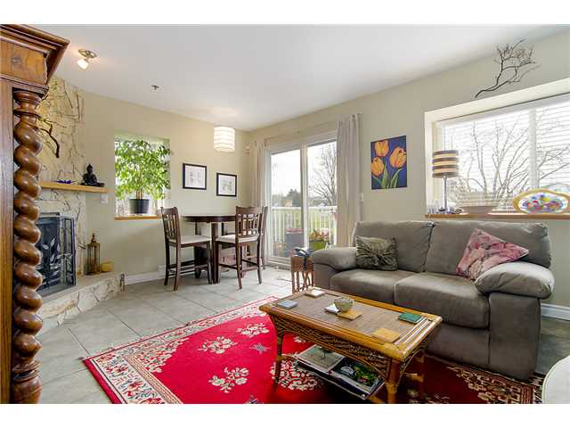 "Photo 2: 401 2295 PANDORA Street in Vancouver: Hastings Condo for sale in ""PANDORA GARDENS - SUNRISE"" (Vancouver East)  : MLS(r) # V1050699"