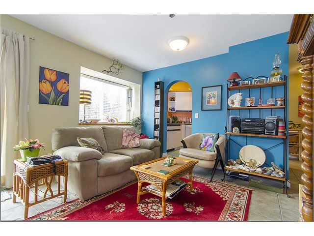 "Photo 3: 401 2295 PANDORA Street in Vancouver: Hastings Condo for sale in ""PANDORA GARDENS - SUNRISE"" (Vancouver East)  : MLS(r) # V1050699"