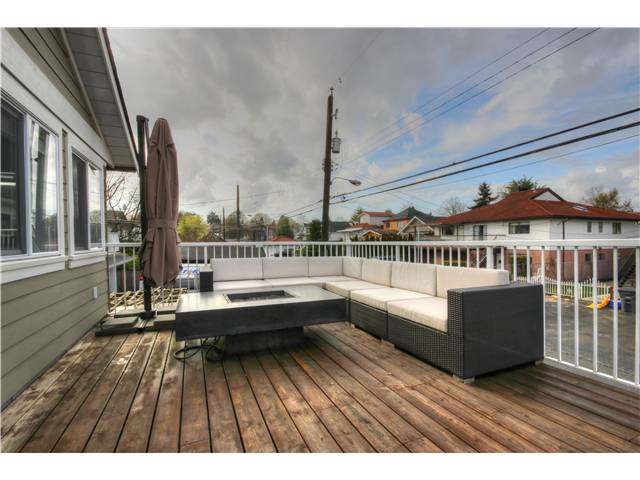 "Photo 16: 471 E 18TH Avenue in Vancouver: Fraser VE House for sale in ""Main/Fraser Corridor"" (Vancouver East)  : MLS® # V1055269"