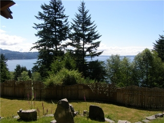 Main Photo: 830 TAYLOR Road: Bowen Island House for sale : MLS(r) # V1056856
