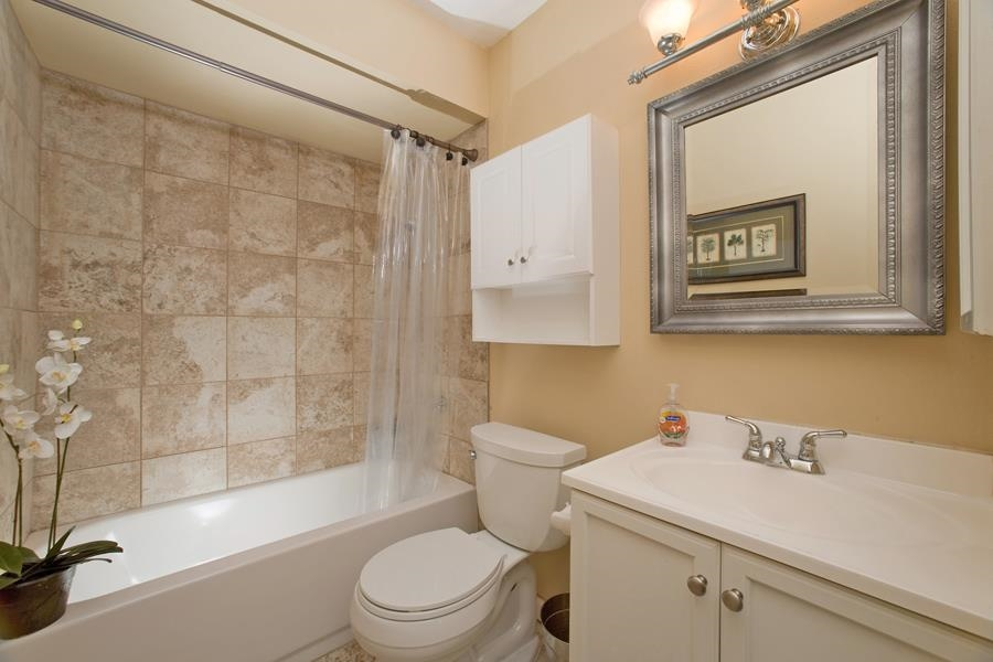 Photo 15: PACIFIC BEACH Condo for sale : 2 bedrooms : 4730 Noyes St #411 in San Diego