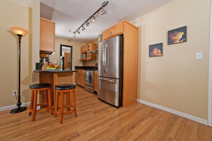 Photo 7: PACIFIC BEACH Condo for sale : 2 bedrooms : 4730 Noyes St #411 in San Diego