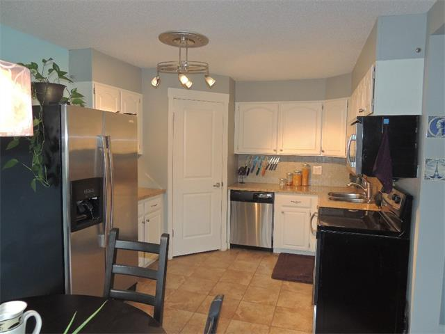 Photo 13: 128 3809 45 Street SW in Calgary: Glenbrook House for sale : MLS® # C4016873