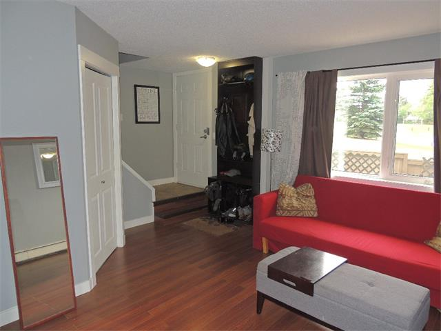 Photo 7: 128 3809 45 Street SW in Calgary: Glenbrook House for sale : MLS® # C4016873