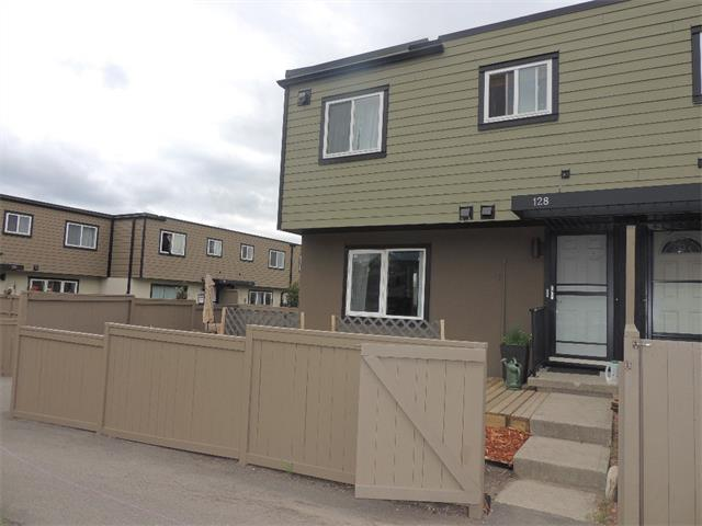 Photo 1: 128 3809 45 Street SW in Calgary: Glenbrook House for sale : MLS® # C4016873