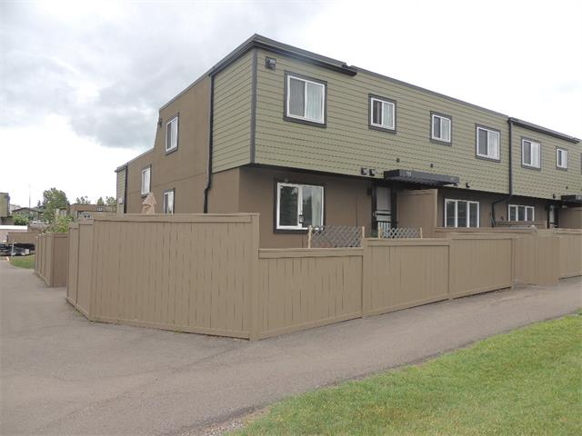 Photo 2: 128 3809 45 Street SW in Calgary: Glenbrook House for sale : MLS® # C4016873